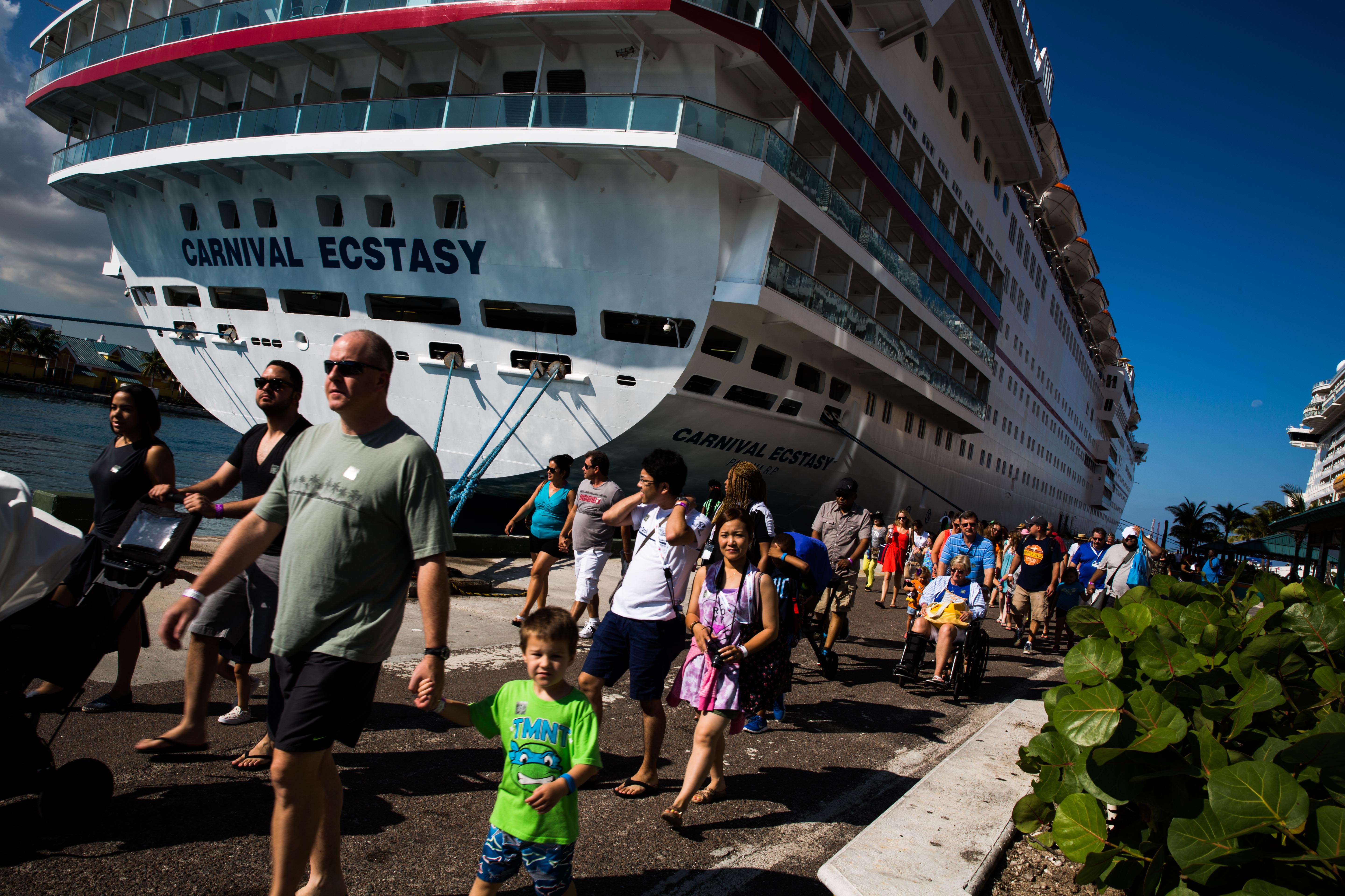 An American Industry Under Foreign Flag - Us flagged cruise ships